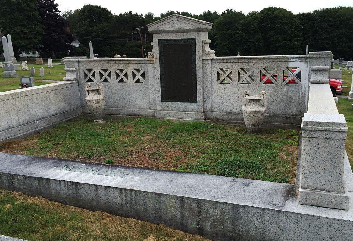 Frank A Munsey gravesite